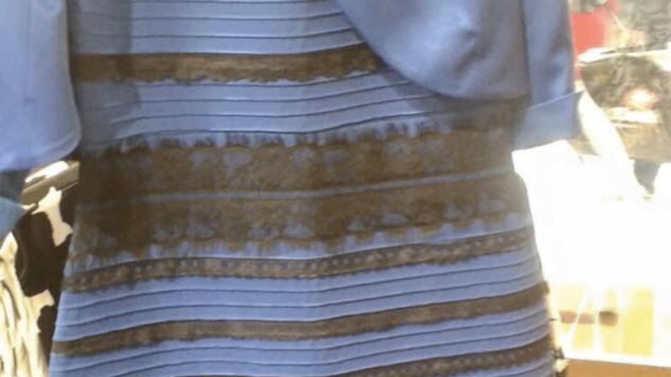 Фото платья сине черное или бело золотистое